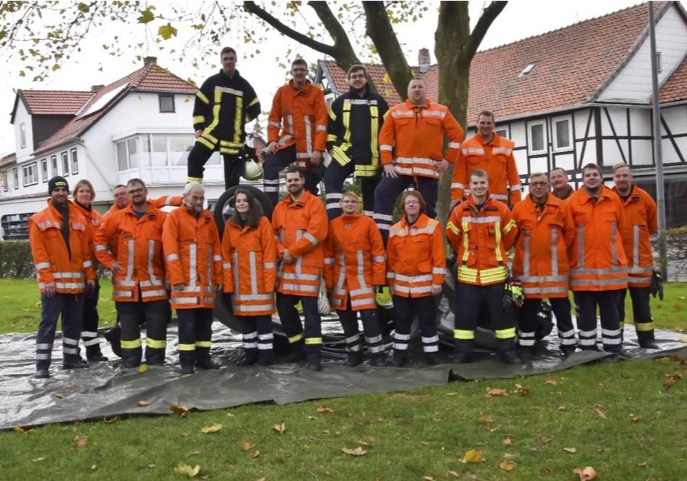 Insgesamt 21 Mitglieder der Feuerwehren nahmen an der Ausbildung teil. Fotos: D. Bialojahn