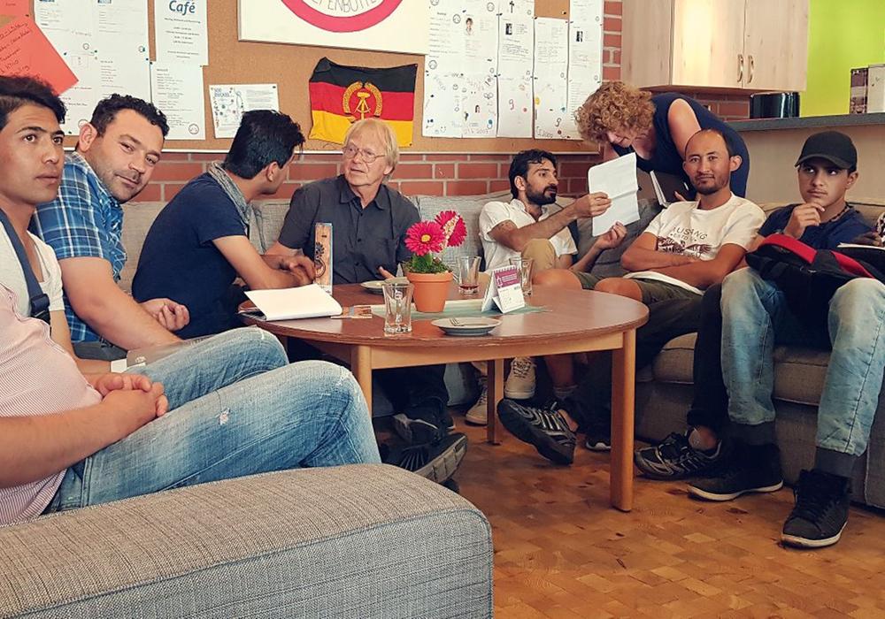 Seit dem 24. Oktober 2015 treffen sich dort dreimal wöchentlich Geflüchtete, Menschen mit Migrationshintergrund, ehrenamtliche Lernbegleiter und interessierte Besucher im Roncallihaus. Foto: Stadt Wolfenbüttel