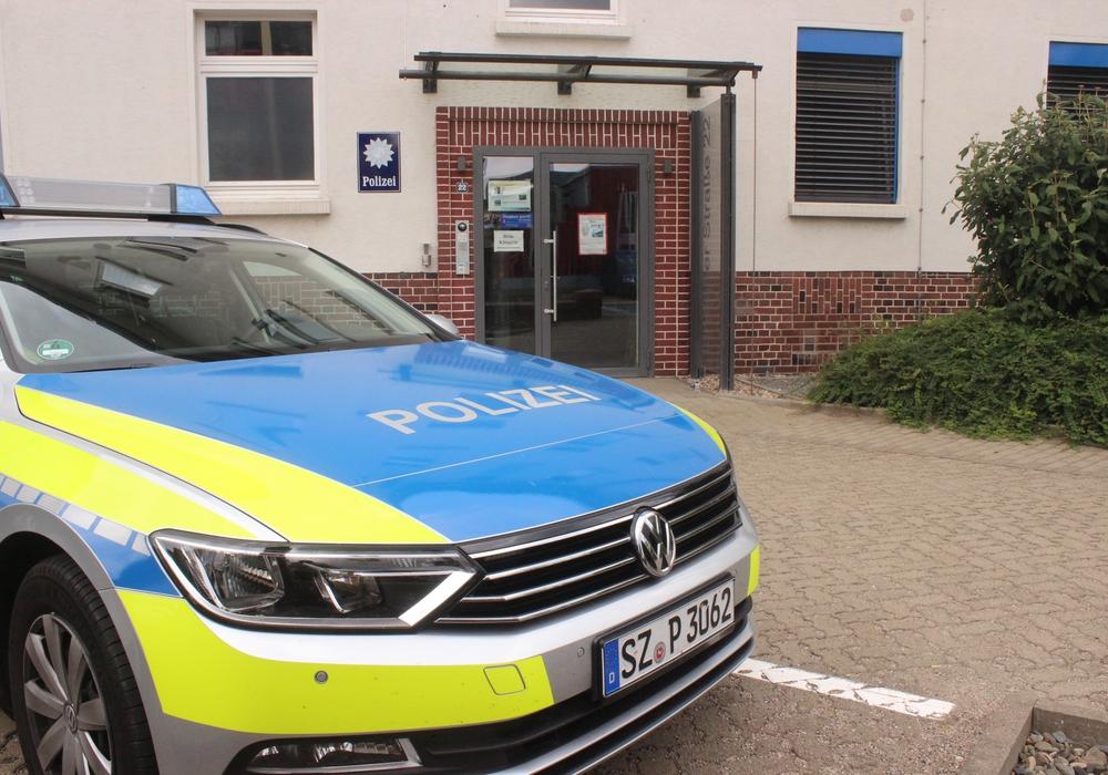 Die AfD Kreistagsfraktion möchte, dass die Polizisten aus Wolfenbüttel, die beim G20-Gipfel im Einsatz waren, im Kreistag empfangen werden. Symbolfoto: Anke Donner