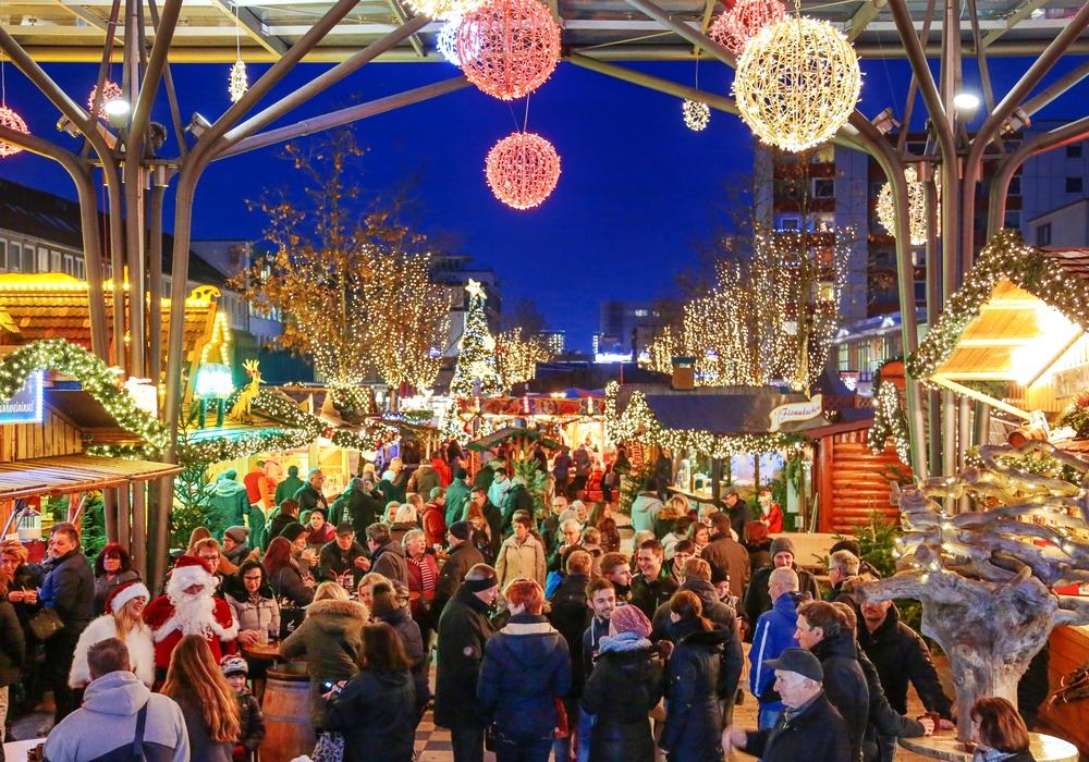 Der Weihnachtsmarkt ist gut besucht. Foto: WMG/Janina Snatzke