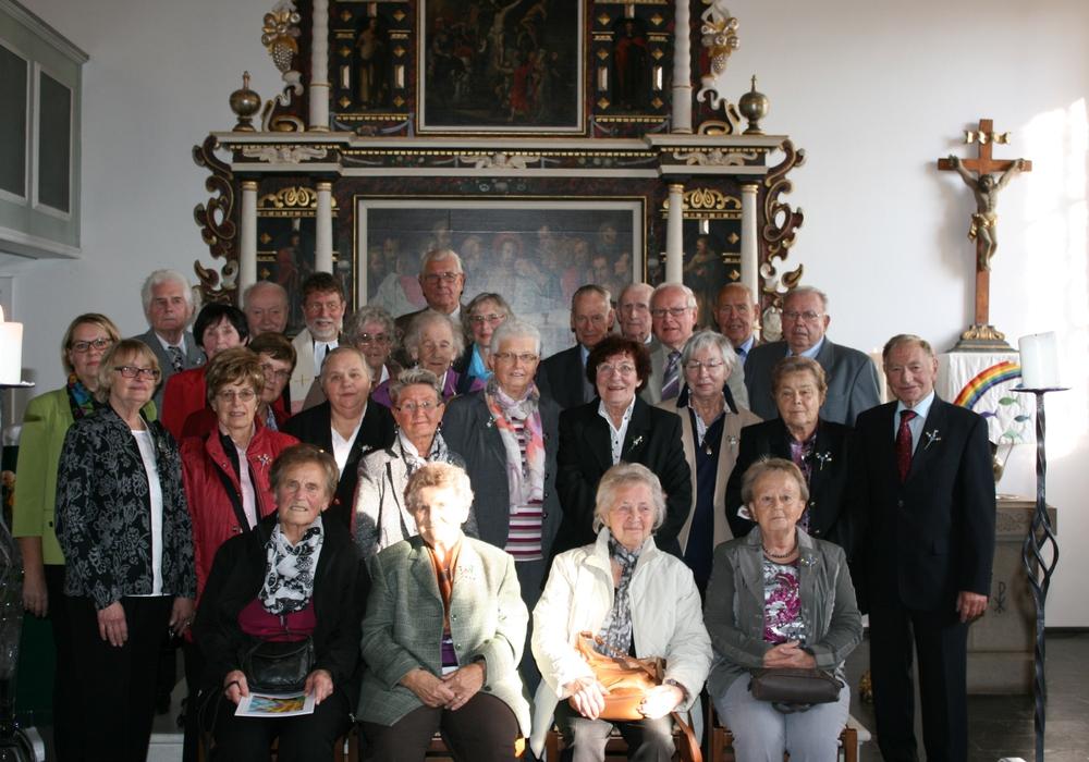 26 ehemalige Konfirmanden feierte ihr Jubiläum in Dorstadt. Foto: Privat