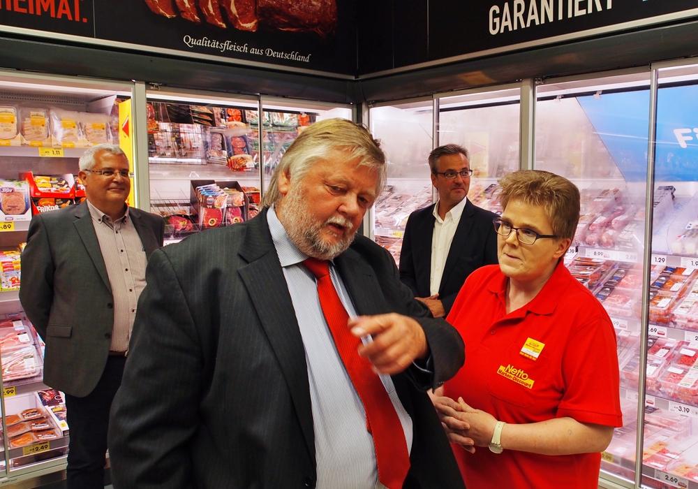 Manfred Dobberphul im neuen Timmerlaher Einkaufsmarkt. Fotos: privat