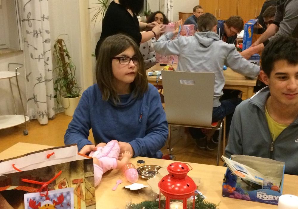 Freude bei den Kindern und Jugendlichen im Landhaus Querum. Fotos: Evangelische Stiftung Neuerkerode