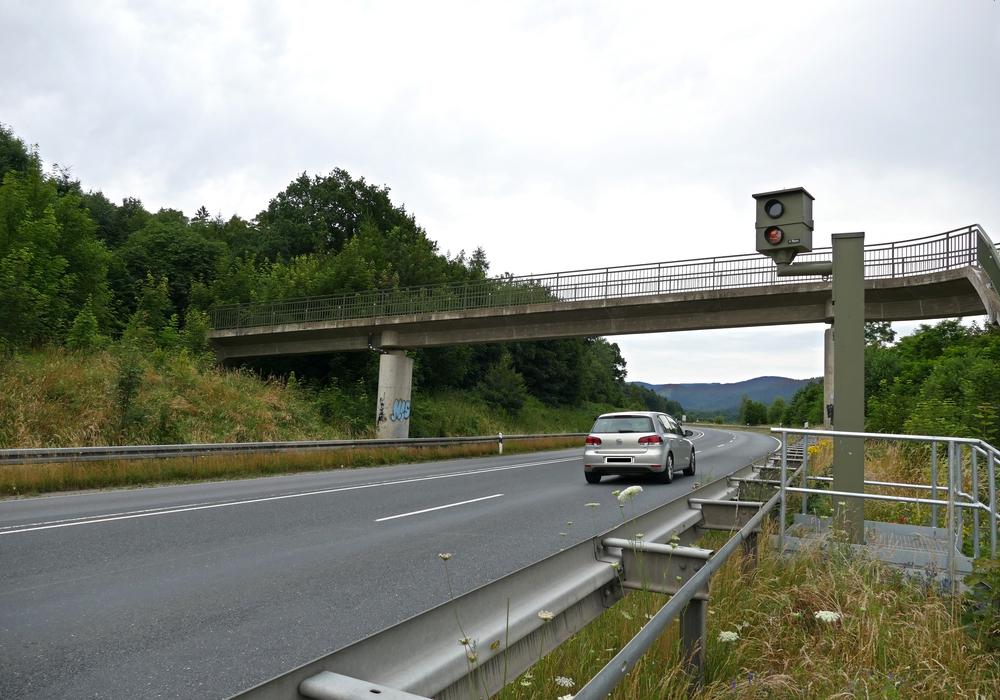 Erneut hat die Radaranlage auf der B82 in Höhe des Heizkraftwerkes bei Langelsheim Temposünder überführt. Die Spitzenreiter waren mit 147 beziehungsweise 148 Stundenkilometern unterwegs. Foto: Landkreis Goslar