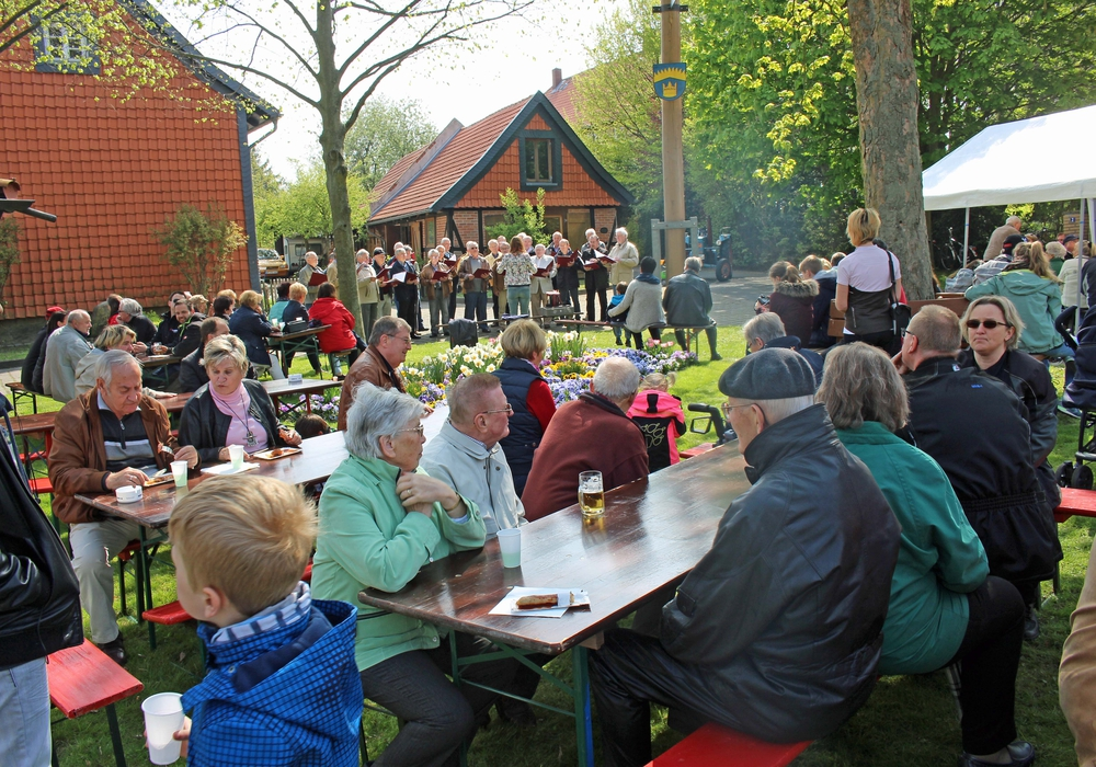 Maibaumfest in Atzum. Foto: Privat