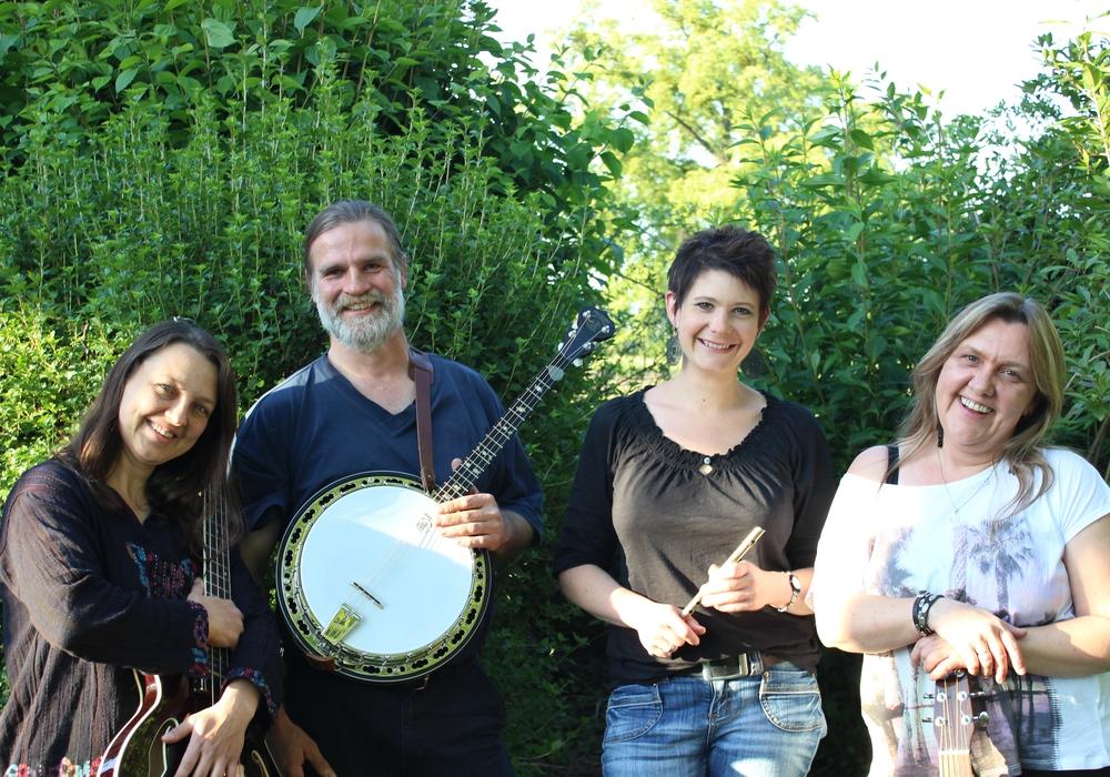 Livia Kapahnke, Ricke Adam, Jutta und Harti Alberts sind Hotchpotch. Foto: Privat