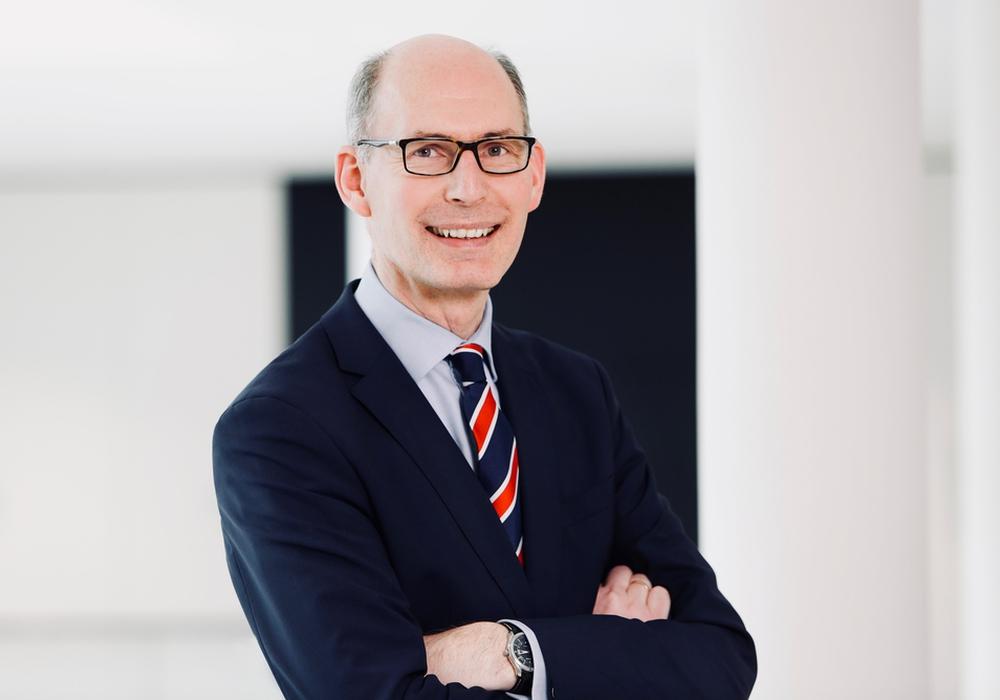 """Christoph Plett hält """"Schreiben nach Gehör"""" für Unsinn."""