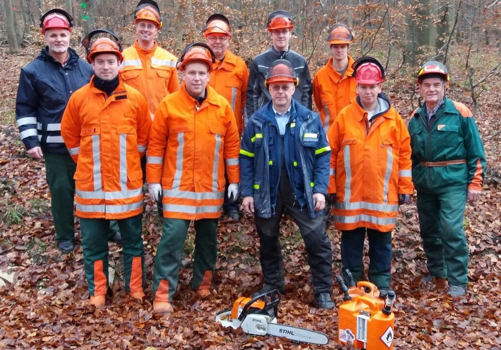 Feuerwehren übten an der Kettensäge. Foto: Privat