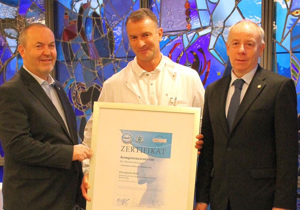 """Das Marienstift erhielt nun das Zertifikat """"Kompetenzzentrum für Hernienchirurgie"""" Foto: Privat"""