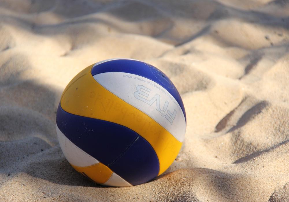 Beachvolleyball, Volleyball, Strand, Sport, Symbolbild: Pixabay