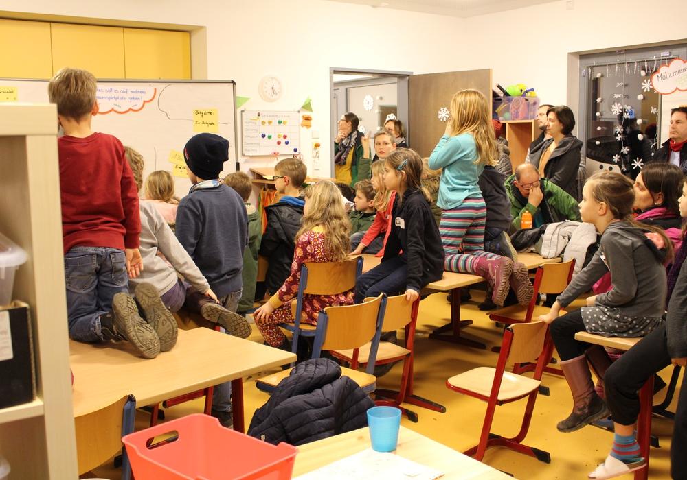 Die Kinder in Leiferde freuen sich schon auf ihren neuen Spieplatz. Foto: Nick Wenkel