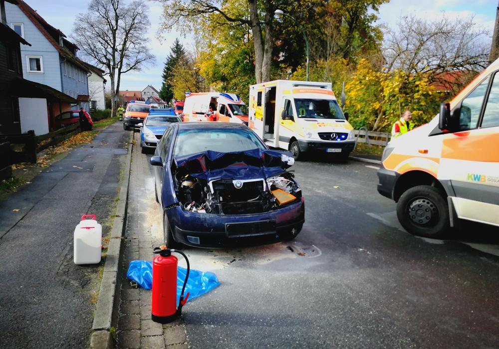 Mehrere Rettungswagen waren nach dem Unfall im Einsatz. Foto: Polizeikommissariat Oberharz