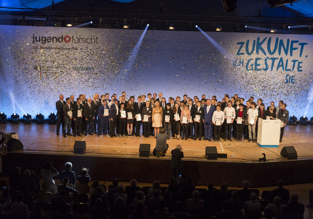 Unter den Preisträgern waren auch drei Schüler des Christian-von-Dohm-Gymnasiums in Goslar. Foto: Jugend forscht