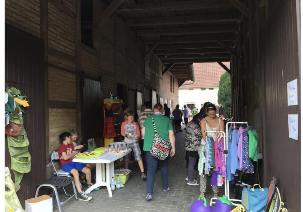 Am Sonntag findet in Fümmelse wieder der Dorfflohmarkt statt. Foto: Claudia Falk