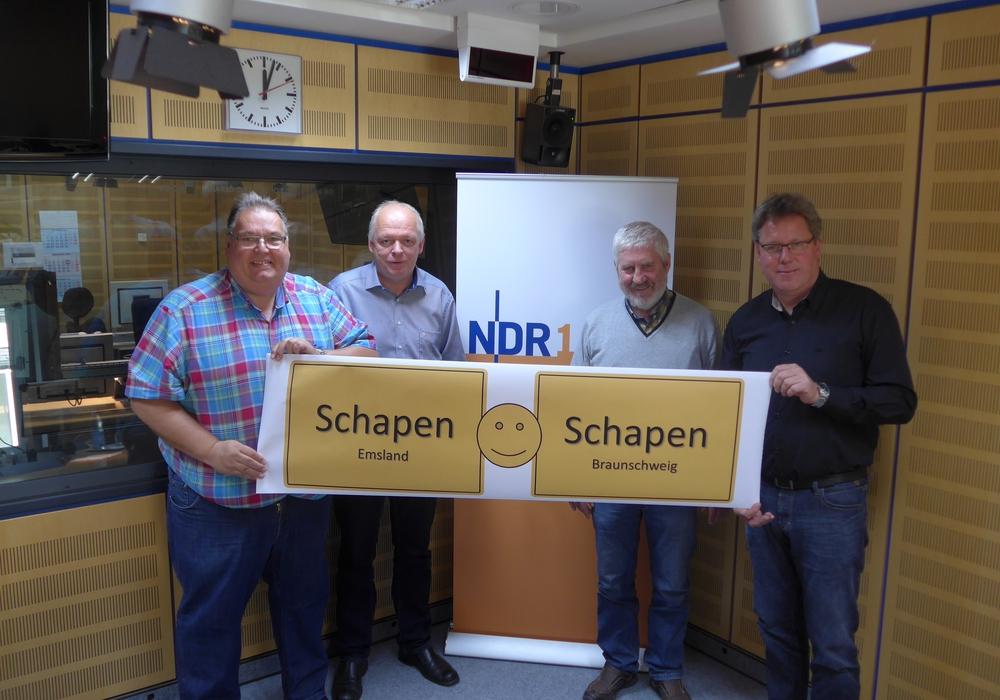 Michael Thürnau, Karlheinz Schöttmer, Ulrich Volkmann und Edmund Huil bei der Plattenkiste im NDR. Foto: NDR