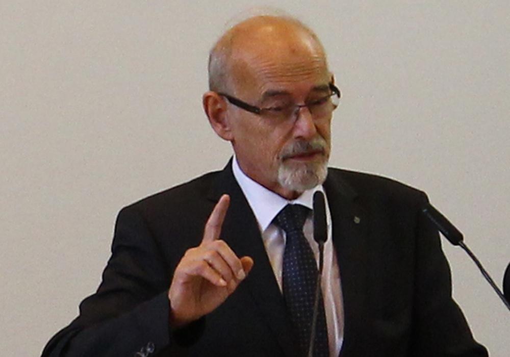 Ratsherr Karl Grziwa verabschiedete sich als Ratsvorsitzender. Foto: Archiv