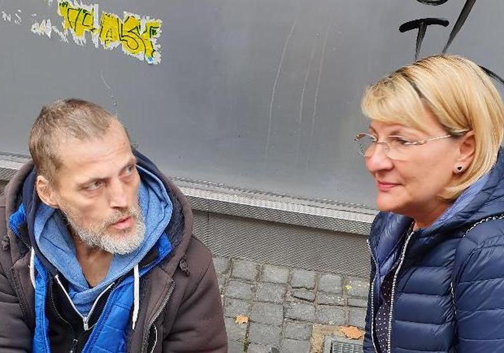 "Nuray Leonardi und Michael. Foto: Fanclub ""Eintracht Inklusiv"""
