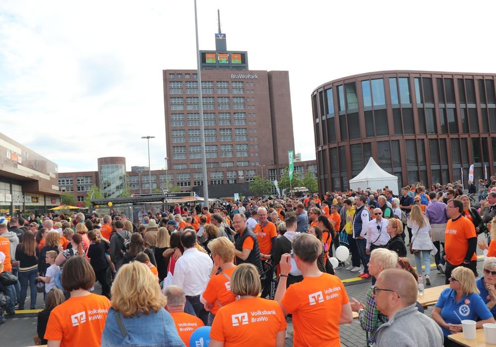 Tausende waren gekommen, um am Walk for Help teilzunehmen. Fotos: Julia Seidel