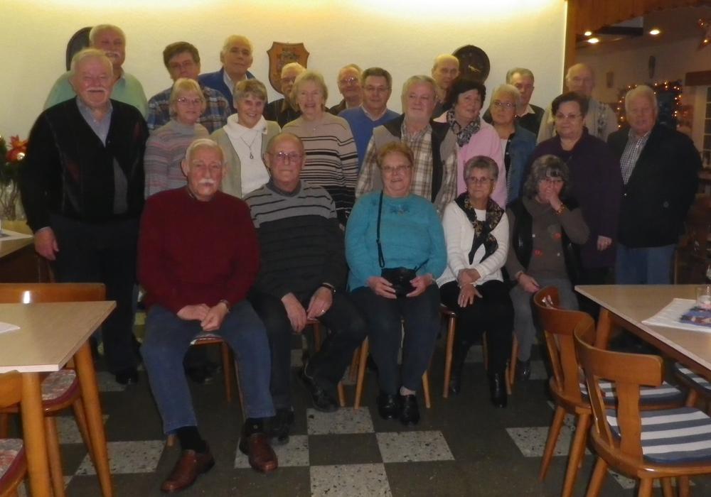 Klein Schöppenstedt. Diese Jugend der 50er und 60er Jahre traf sich  Anfang Dezember 2015. Foto: Privat