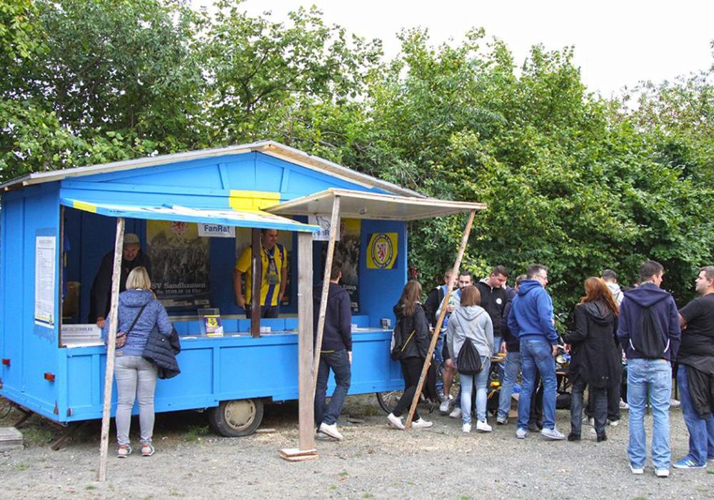 """Der neue """"Fanwagen"""" am Fanhaus. Foto: Bernhard Grimm"""