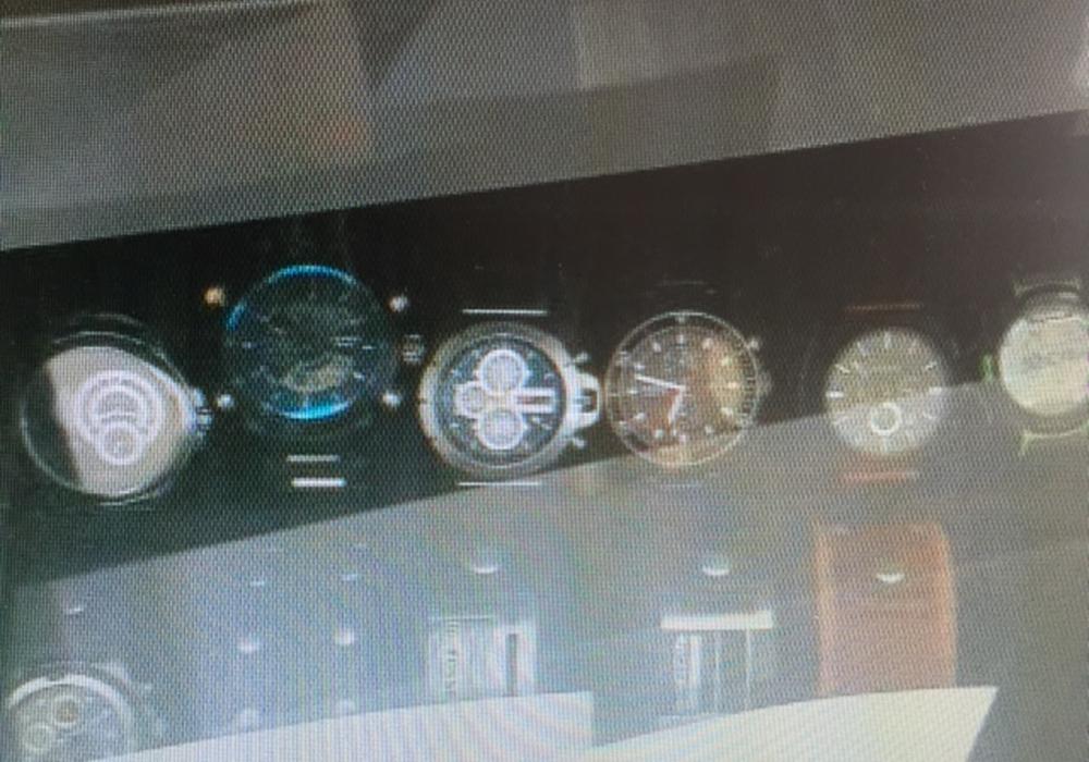 Diese Uhren sind teil des Diebesguts. Foto: Polizei Goslar