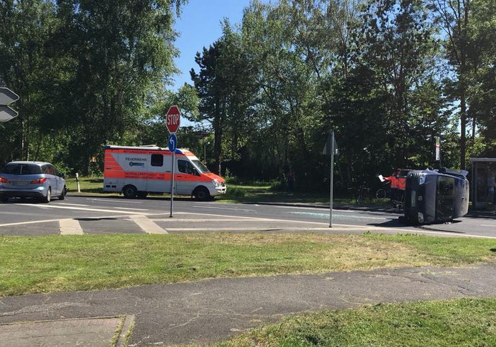 Zu einem Unfall auf der Bundesallee kam es am Dienstagnachmittag. Fotos und Video: aktuell24/Kr