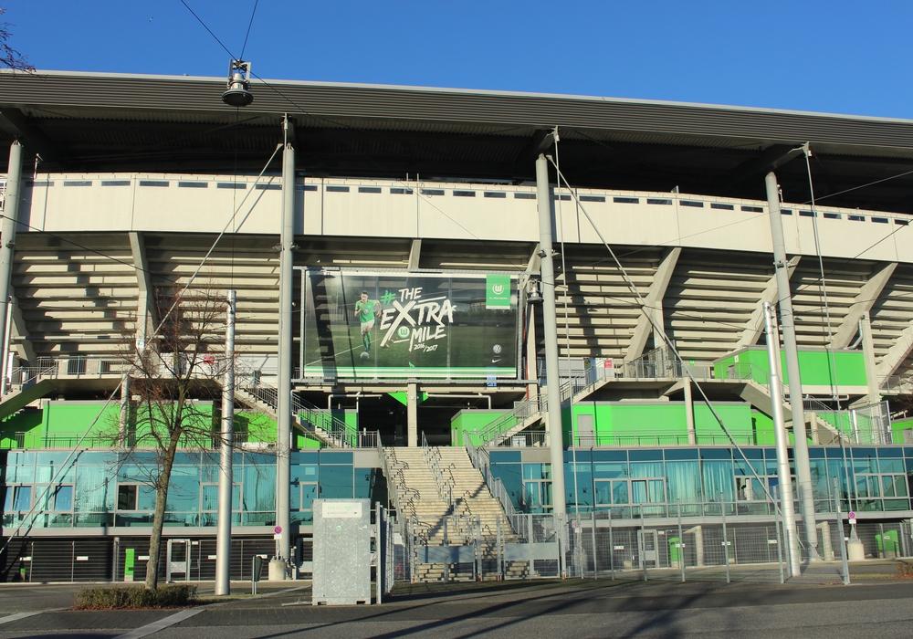 Die Volkswagen Arena bekamen 400 HSV Fans heute höchstens im Fernsehen zu Gesicht. Symbolbild: Magdalena Sydow