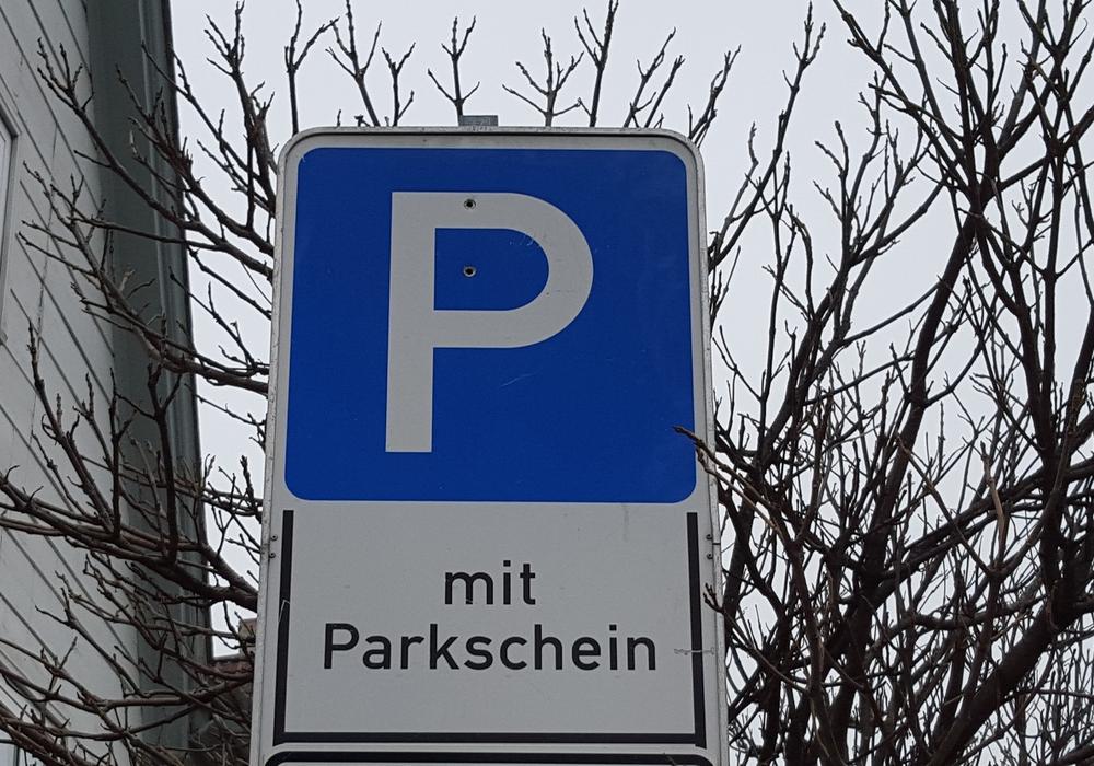 Fürs parken könnte man demnächst tiefer in die Tasche greifen müssen. Symbolfoto: Archiv/Jan Borner