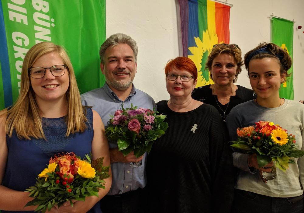 Von links: Lena Krause, Kai Brunzel, Ulla Derwein, Jutta Beckmann, Klara Herbel. Nicht im Bild: Figen Köksal. Foto: Die Grünen