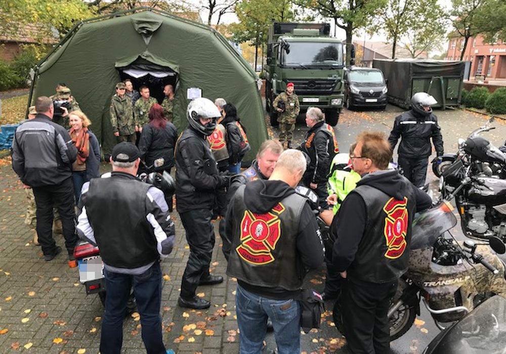 Die Red Knights beim Manöver in Nienburg. Fotos: Axel Lier