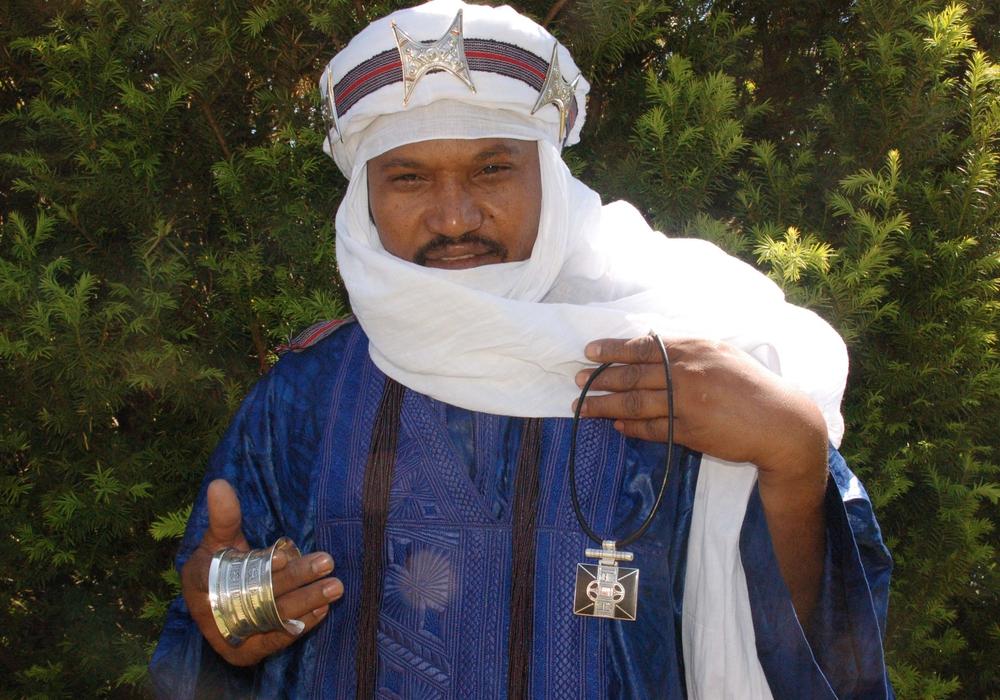 Tuareg Silberschmied bietet vom 30. Juni bis zum-2. Juli handgefertigten Silberschmuck an. Der Erlös kommt einem guten Zweck zugute. Foto: Betriebswirtschaft und Kommunikation  Niedersächsische Landesmuseen Braunschweig