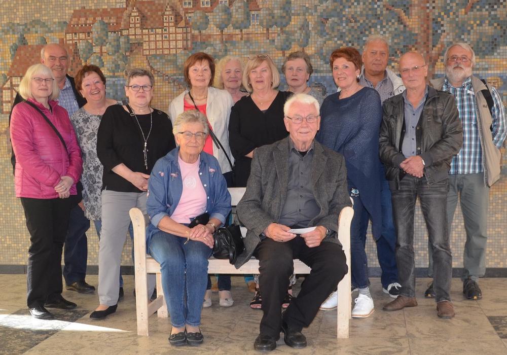 Nach 50 Jahren trafen sich die Klassenkameraden der damaligen 9f der alten Volksschule. Foto: privat