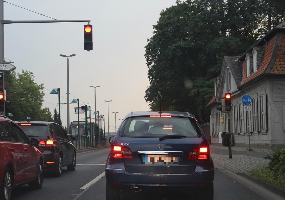 Der Verkehr auf der Wolfenbütteler Straße sorgt für Unmut der Anwohner. Foto: Robert Braumann