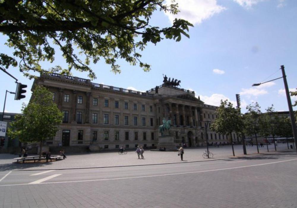 Hier am Schlossplatz sollen am kommenden Samstag gleich drei Demonstrationen stattfinden.