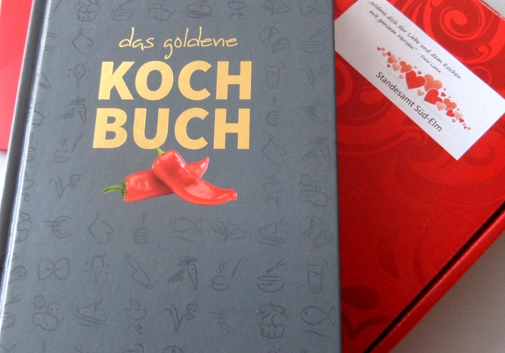 Jedes Paar, das sich hier trauen lässt, kann sich künftig über ein Kochbuch mit Rezepten aus aller Welt freuen. Foto: Stadt Schöningen