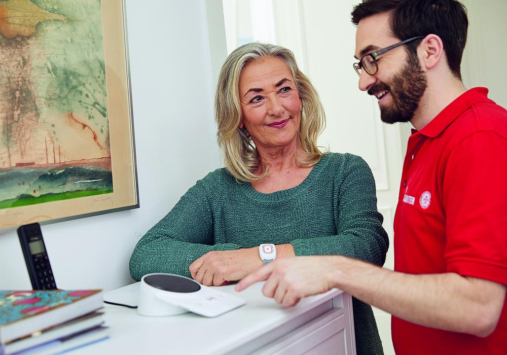 Noch bis zum 31. Oktober kann der Johanniter-Hausnotruf vier Wochen lang getestet werden - kostenlos. Foto: Boris Breuer
