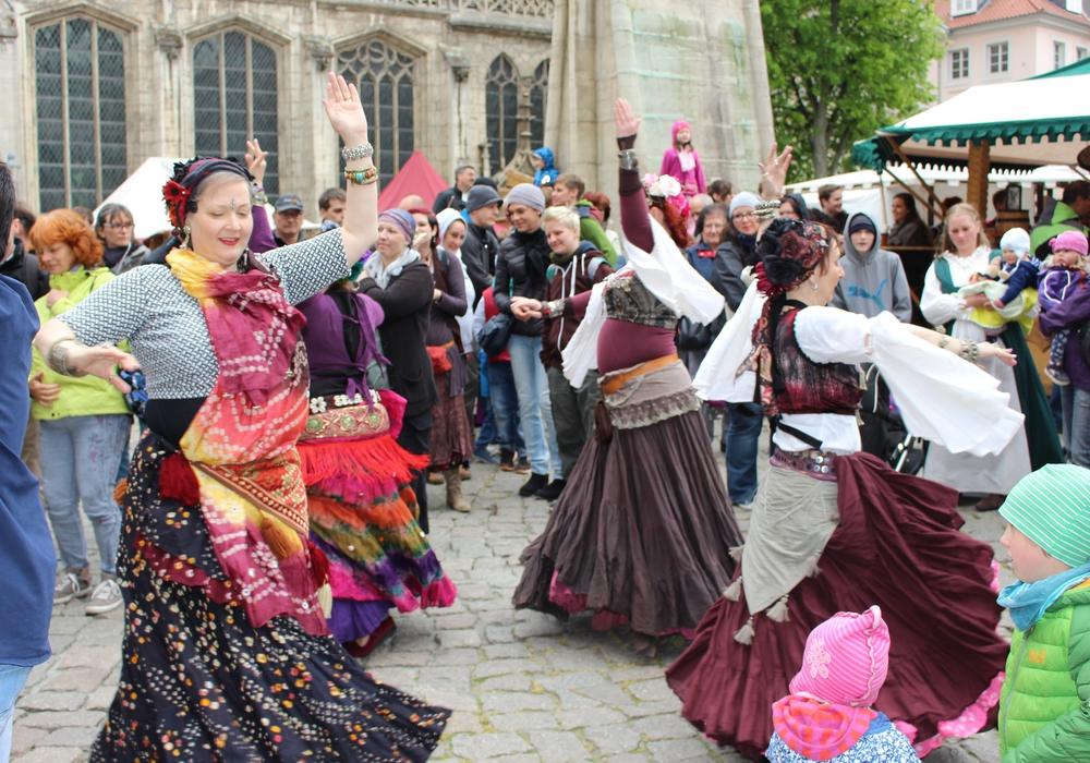 Musik und Tanz auf dem Mittelaltermarkt in Braunschweig. Fotos: Max Förster