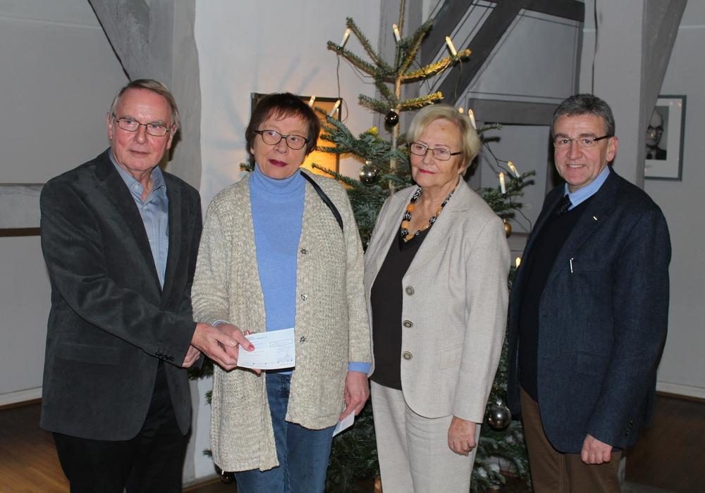 Kiwanis-Club spendet für den Freundeskreis Satu Mare Foto: Bernd Dukiewitz