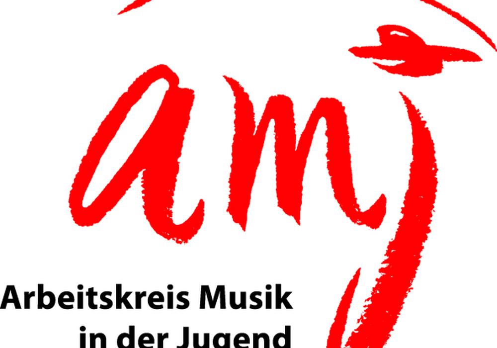 20 verschiedenen Ländern stammen die Sängerinnen und Sänger, die einmal jährlich im Weltjugendchor zusammenkommen. Logo: AMJ