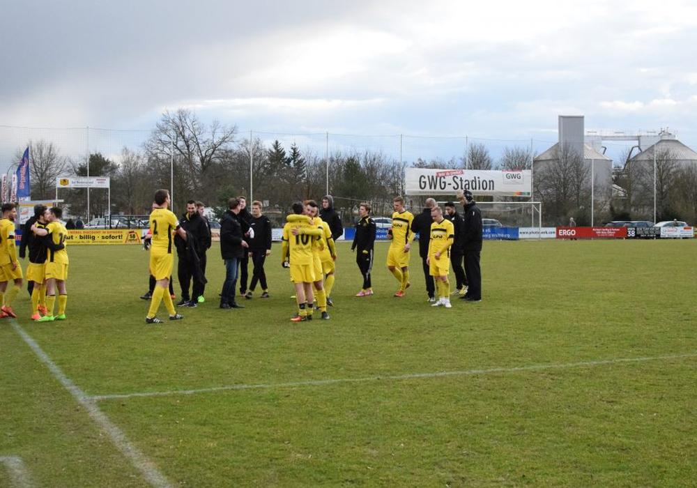 Der MTV Gifhorn jubelt nach dem 2:1 Heimsieg gegen den VfL Oldenburg. Symbolfoto: Fabian Rampas