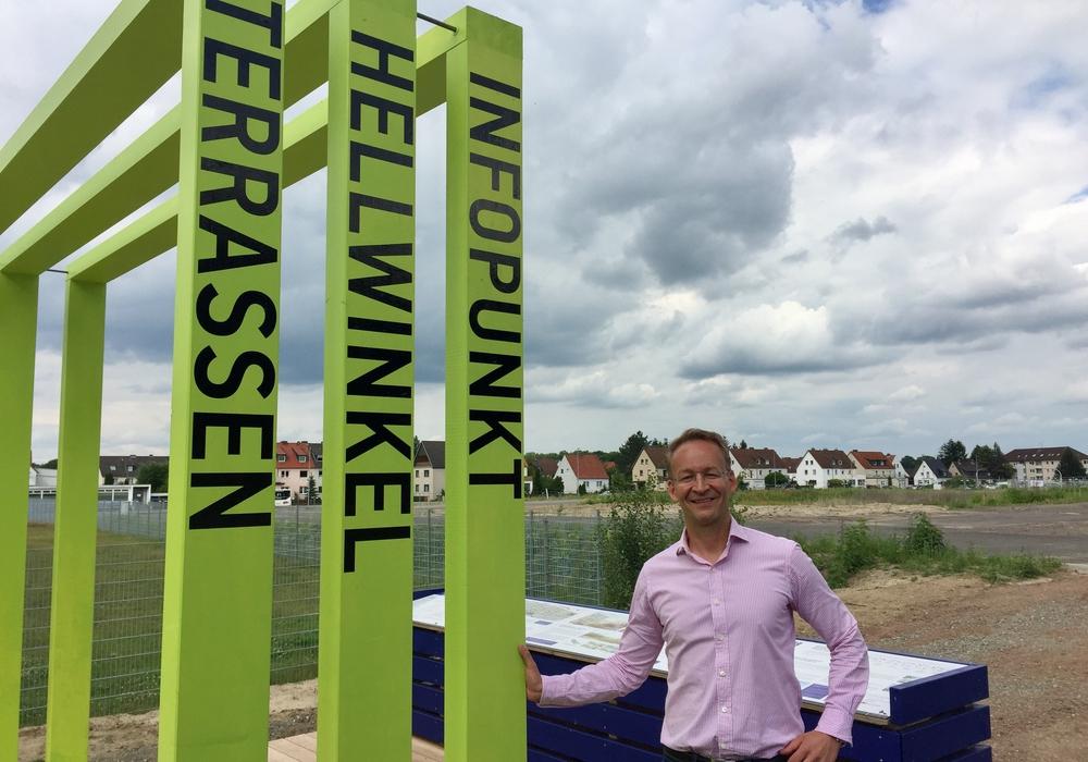 """FDP-Ortsratsmitglied Markus Nöhre ruft die Bürger auf, Vorschläge für Straßen- und Platznamen im Baugebiet """"Hellwinkel Terassen"""" einzureichen. Foto: FDP"""