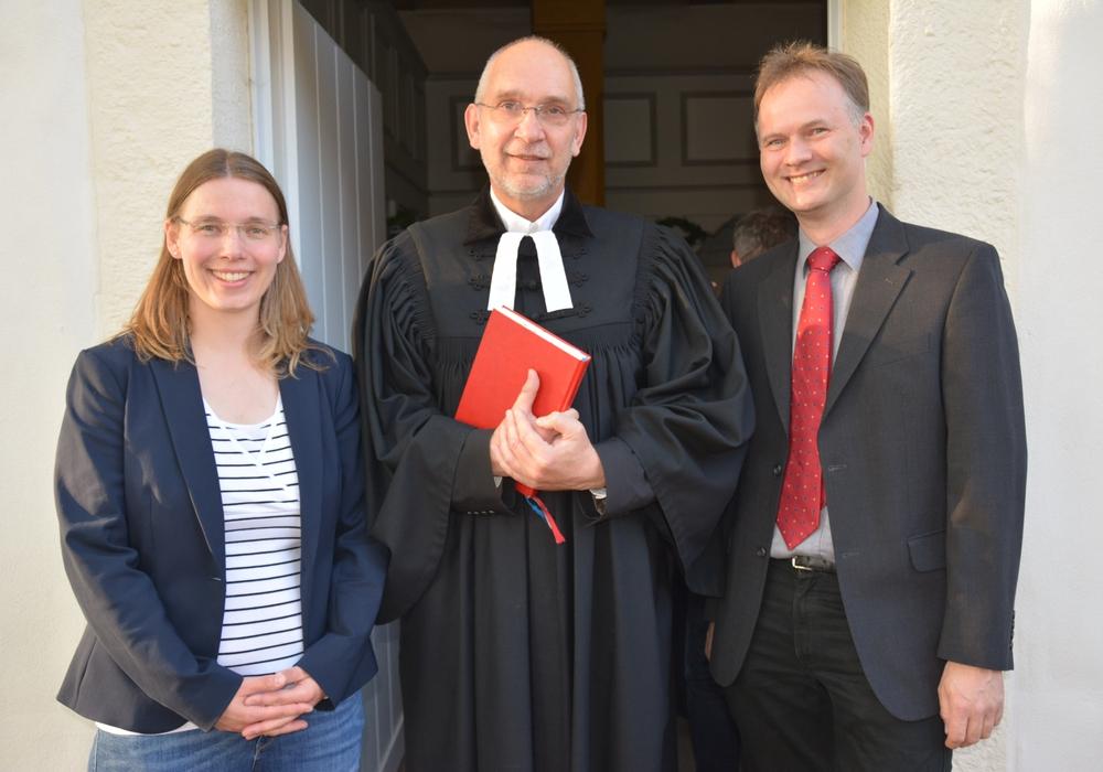 Einführung und Abschied: v. l. Anne Basedau, Dr Volker Menke und Ulrich Schön. Foto: Kirchenkreis Peine