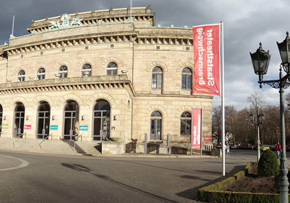 Die großen Literaten kommen ins kleine Haus des Staatstheaters. Foto: Petra Hackauf