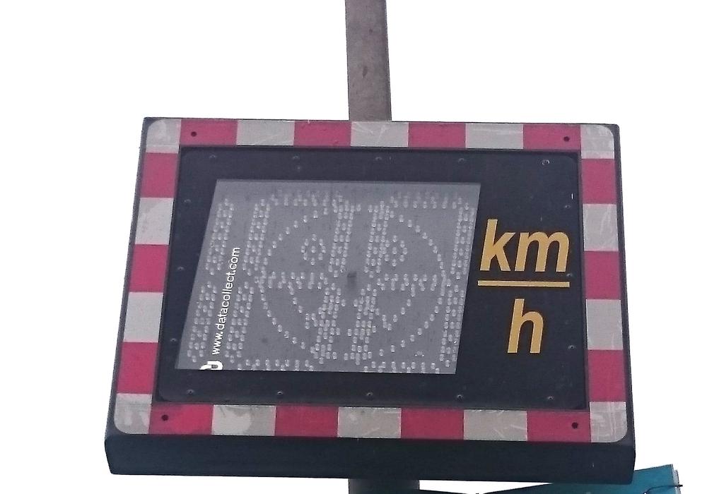 Derzeit verfügt die Verwaltung über zwei Geschwindigkeitsmessanlagen, Foto: Robert Braumann