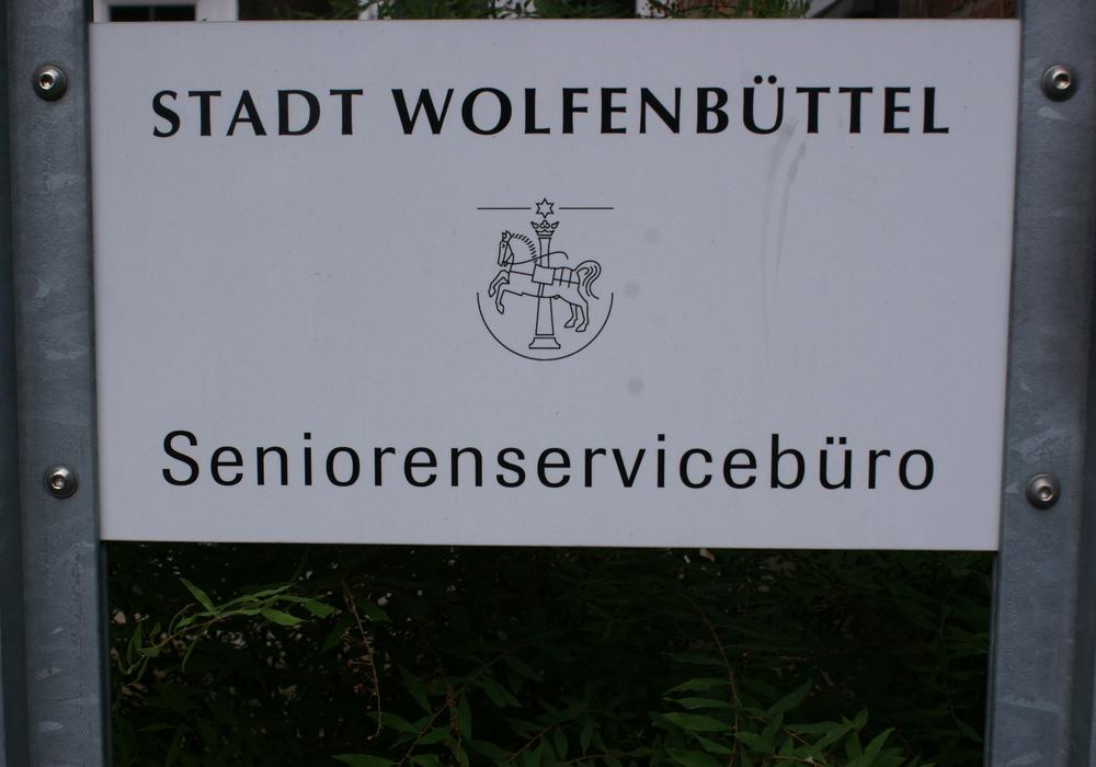Das Seniorenservicebüro lädt zu einer Tagesfahrt nach Wolfsburg ein. Symbolfoto: Archiv