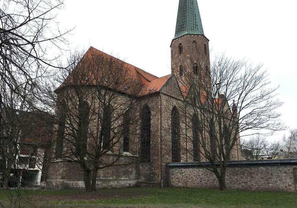 Die Architektenentwürfe sollen die Möglichkeiten einer Wohnbebauung an der Petrikirche ausloten. Foto: Alexander Dontscheff