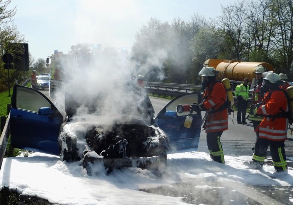 Der Motorblock des Fahrzeuges brannte komplett aus. Fotos: Feuerwehr Salzgitter
