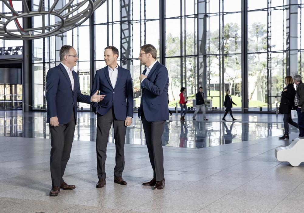 Roland Clement (Mitte), Vorsitzender der Geschäftsführung, Claudius Colsman (rechts), Geschäftsführer, und Dr. Uwe Horn, Geschäftsführer. Fotos: Marek Kruszewski