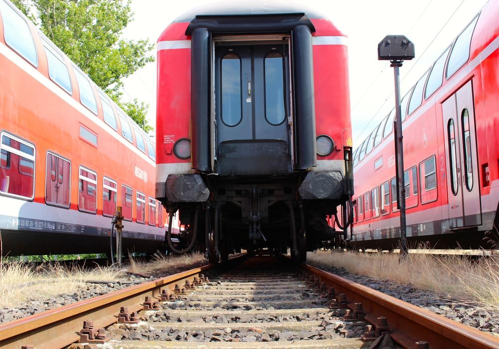Die Deutsche Bahn informiert über den Ersatzverkehr. Symbolfoto: Archiv