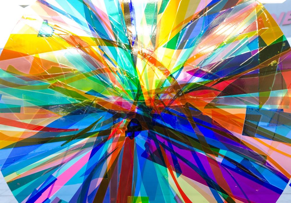 """Nic Hess """"Ein Titel muss her!"""" 2013, Rauminstallation in der Kunst-Station im Hauptbahnhof Wolfsburg (Detail) © Nic Hess, Courtesy Philipp von Rosen Galerie. Foto: Christian Dootz"""